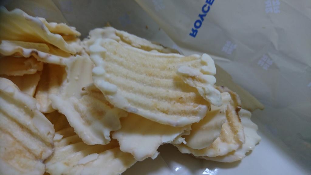 ロイズポテトチップチョコレートフロマージュブランポテト面